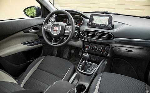 Fiat Tipo Station Wagon (2016) - Interijer