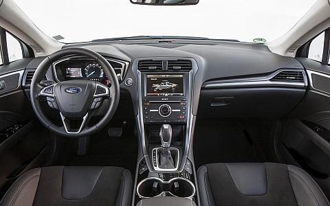 Ford Mondeo (4 vrata) (2014) - Interijer