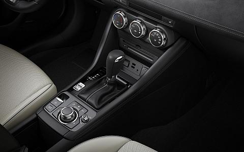 Mazda CX-3 (2018) - Interijer