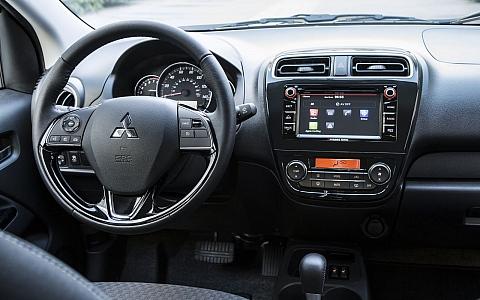 Mitsubishi Space Star (2015) - Interijer