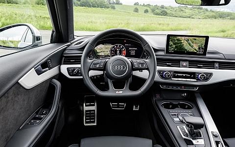 Audi S4 Avant (2017) - Interijer