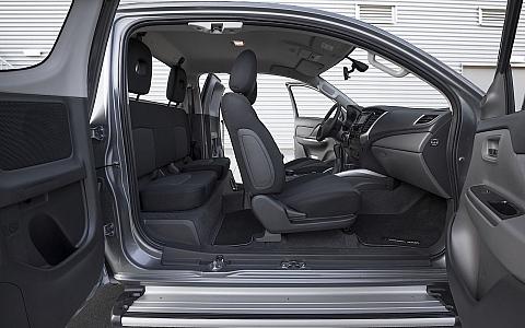 Mitsubishi L200 Club Cab (2012) - Interijer