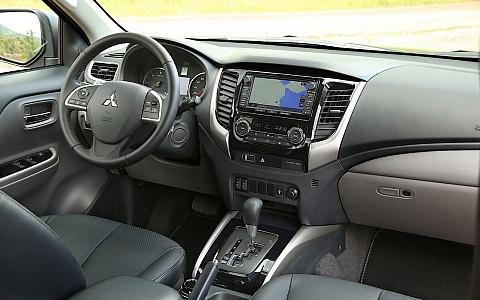 Mitsubishi L200 Double Cab (2012) - Interijer