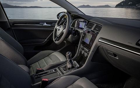 Volkswagen Golf (2016) - Interijer